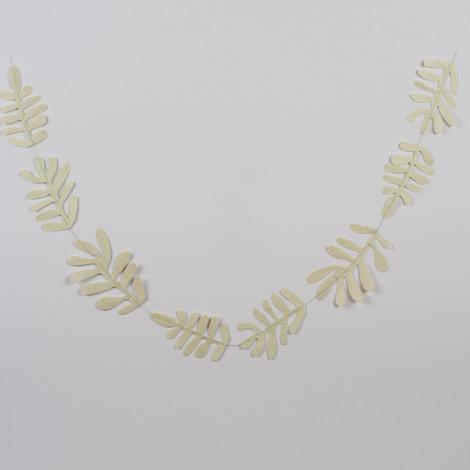 Guirlande de feuilles en papier