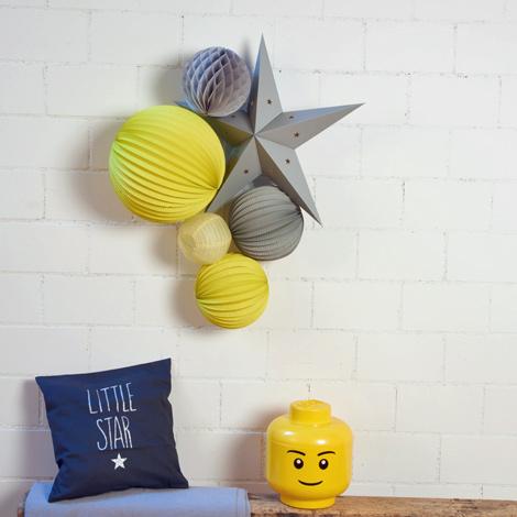 Décoration jaune et gris pour chambre d'enfant