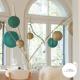 Lanterne dentelle vert profond et lanterne gold pour une table de Noel