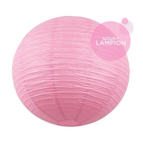 Très grande lanterne en papier rose poudré pour un mariage