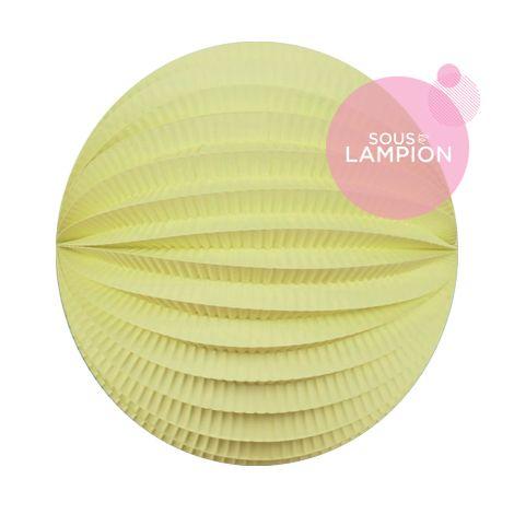 Lampion papier jaune pâle pour un anniversaire ou une chambre d'enfant