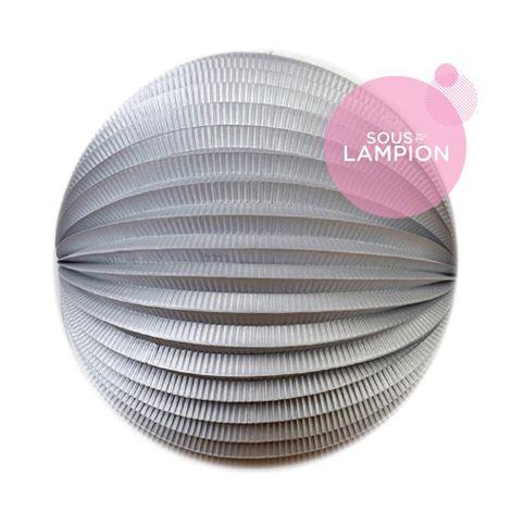 Grand lampion papier gris argent pour un anniversaire d'enfant zero dechet