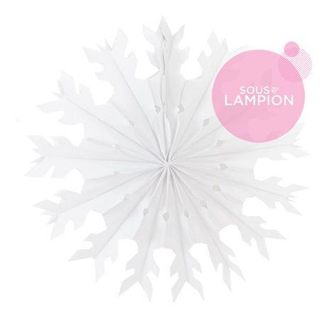 Flocon en papier blanc pour une déco DIY de Noël