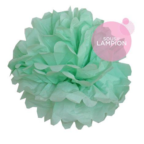 grand pompon en papier vert menthe pour décorer un mariage champêtre,romantique