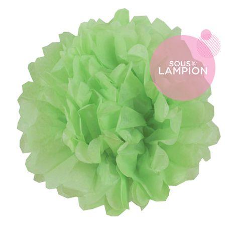 Petit pompon en papier vert clair pour décorer une chambre d'enfant