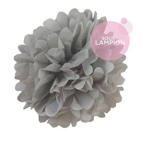Petite pompon en papier gris pour une décoration de chambre d'enfant ou de bébé