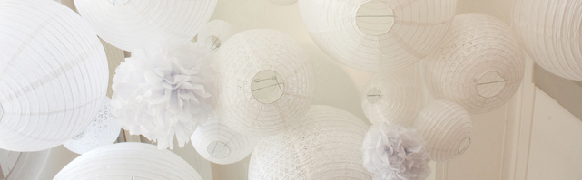 Ciel de lanternes blanches