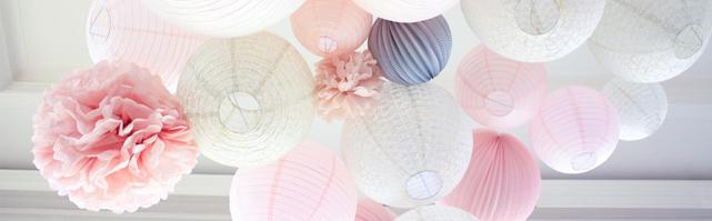 Ciel de lanternes rose et gris