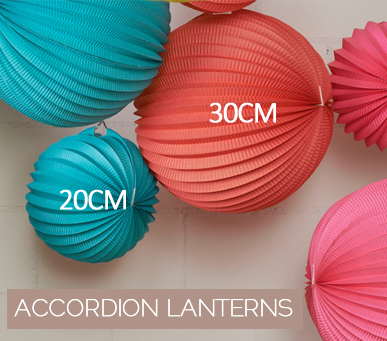 Accordion paper lanterns in 2 sizes
