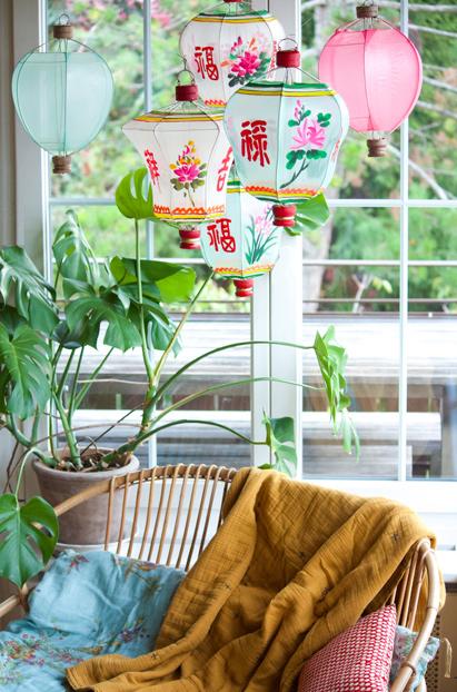 lampions chinois en tissus colorés