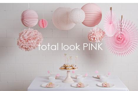 Décorations rose pour un anniversaire de fille ou un mariage