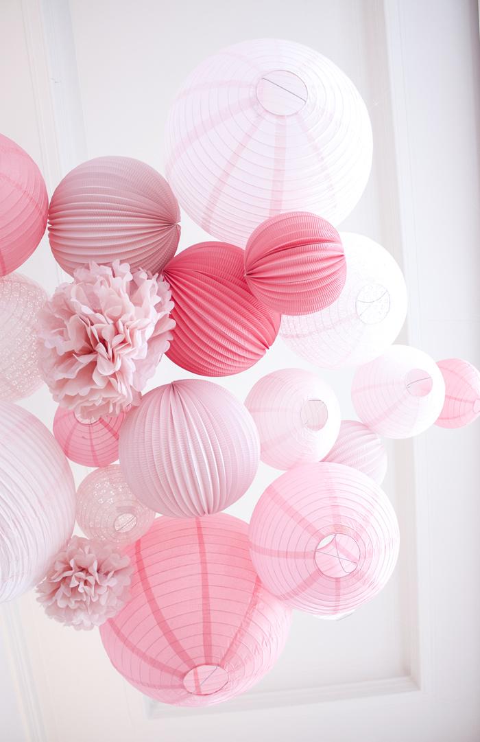 Ciel de lanternes et lampions rose pour un mariage