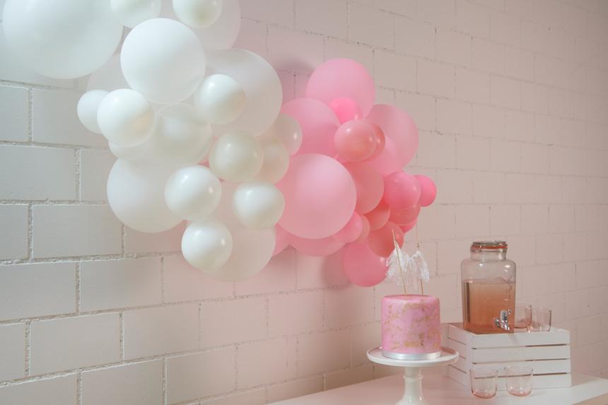 décoration de ballons pour sweet table