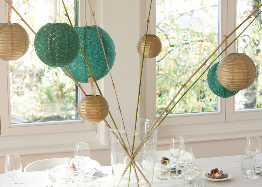 bamboos and lanterns table decor