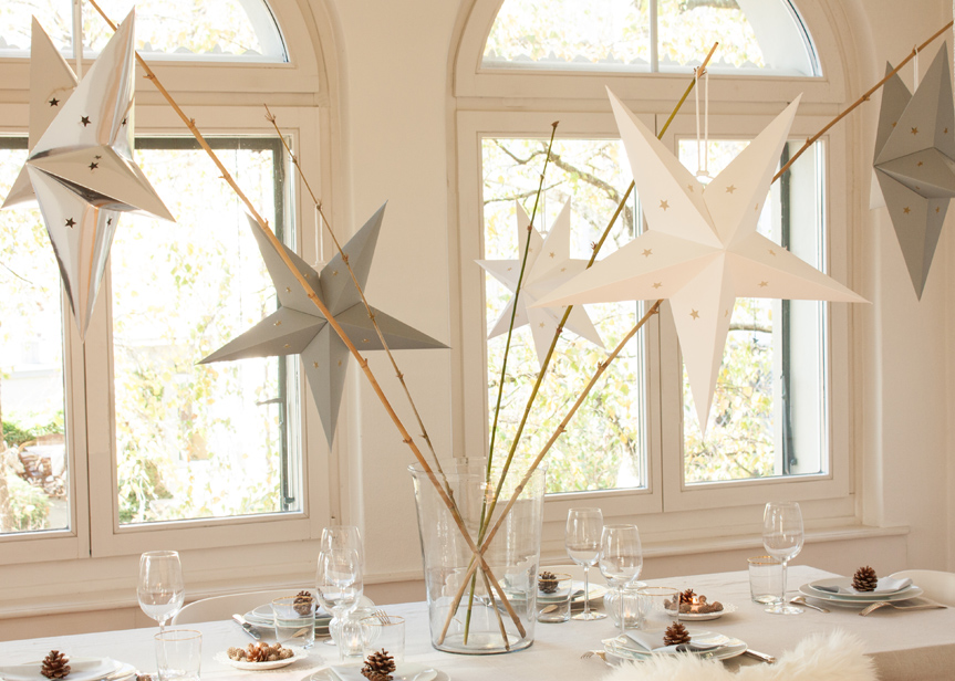 star lantern Christmas table decor